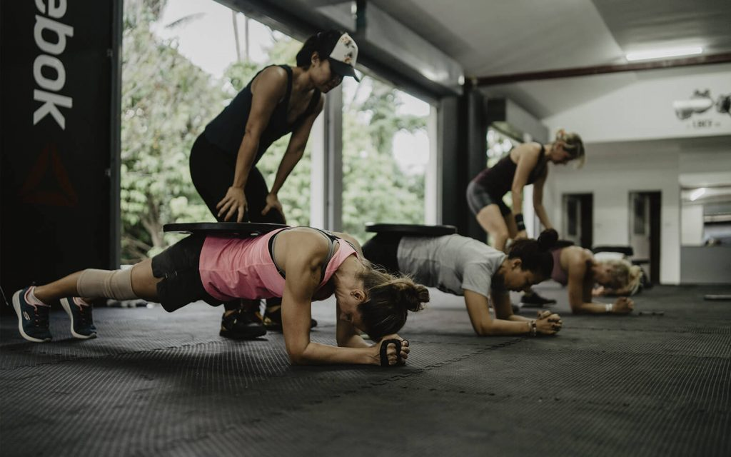 A strength class example focusing on your core muscles - great as abs exercises!